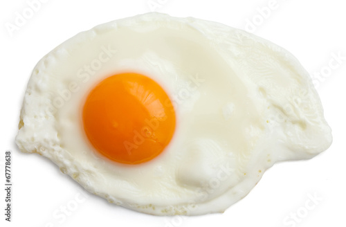 Foto op Plexiglas Gebakken Eieren Single fried egg isolated on white from above. Clipping path.