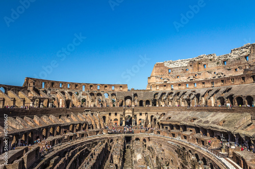Photo  Inside the Colosseum in Rome