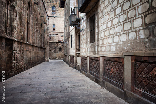 Alley in the Gothic Quarter of Barcelona #67816408