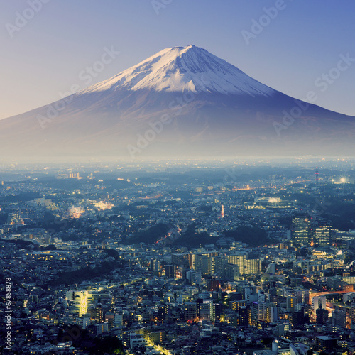 Photo  Mount Fuji. Fujiyama. Aerial view with cityspace surreal shot. J