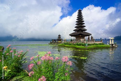 Tuinposter Bali Pura Ulun Danu Bratan, a water temple on Bali, Indonesia