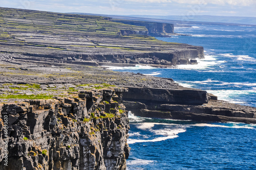 Photo Cliffs of Inishmore, Aran islands in Ireland