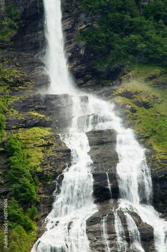 Photo  waterfall fjord