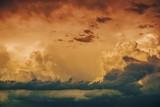 Sztormowe niebo