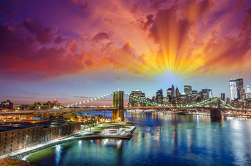Panel Szklany Nowy York Wonderful sunset colors over New York Cityscape