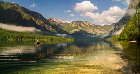 fototapeta górskie jezioro Alpy Słowenia