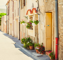 Fototapeta na wymiar Beautiful old town in France, Roussillon