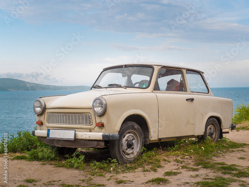Trabant am Strand Wallpaper Mural