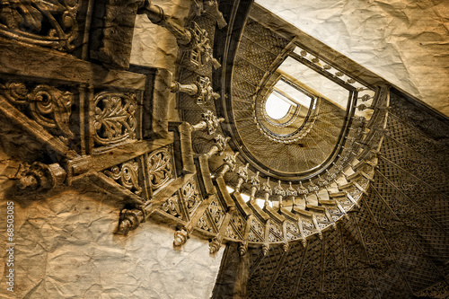 Tuinposter Trappen Stare klasyczne schody w stylu retro