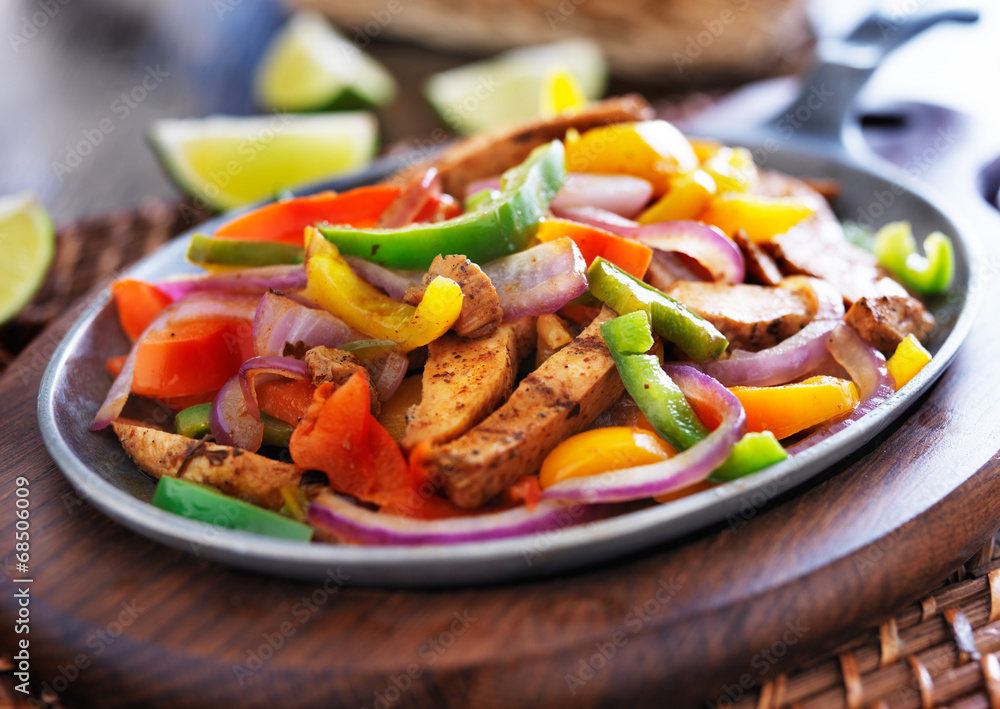 mexican chicken fajitas in iron skillet with peppers Poster, Plakat ...