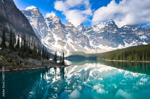 Montage in der Fensternische Kanada Moraine Lake, Rocky Mountains, Canada