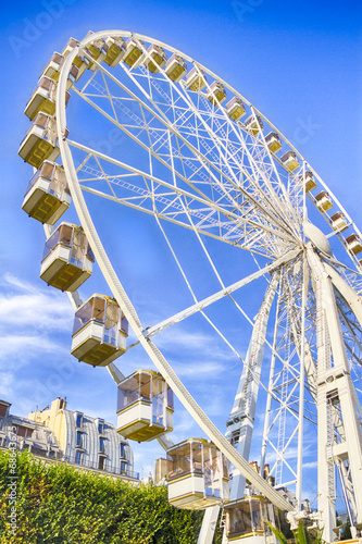 Roue D Attraction Au Jardin Des Tuileries Buy This Stock Photo And