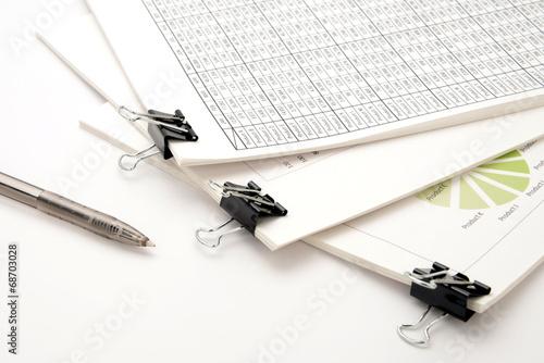 ビジネスイメージ―会議用資料とボールペン - fototapety na wymiar