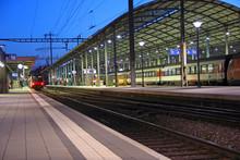 Bahnhof Bei Nacht In Olten