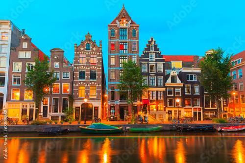 Ingelijste posters Amsterdam Night city view of Amsterdam canal Herengracht