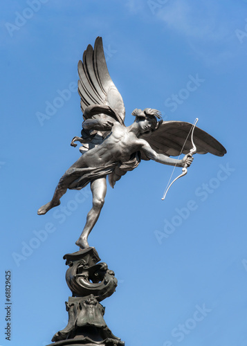 Photo  Eros statue at Piccadilly Circus, London