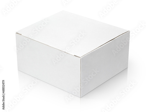 Carta da parati Closed cardboard box isolated on white background