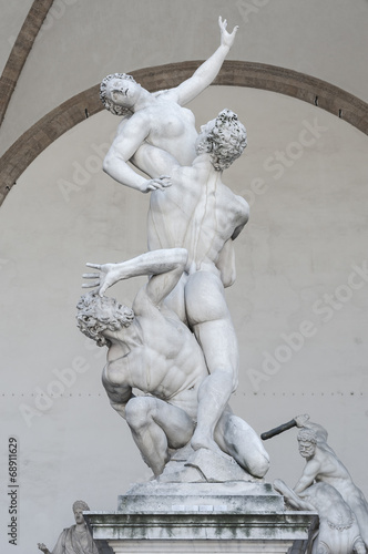 Photo  An image of the Rape of the Sabine Women in Florence Italy