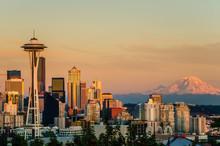 Sunset Over Seattle And Mount Rainier