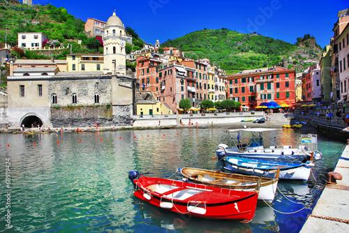 Fotobehang Liguria colors of Italy series - Vernazza, Cinque terre