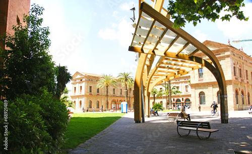 Papel de parede  Escultura en el Parque de Nou Barris, barcelona