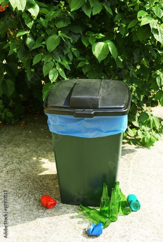 Fototapety, obrazy: Recycling bin outdoors