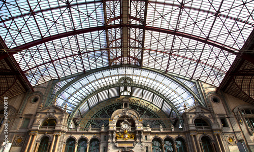 Photo sur Plexiglas Gares View at famous train station of Antwerpen, Belgium