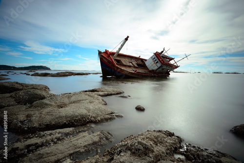 Photo Stands Shipwreck Boat capsized