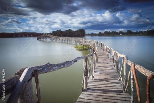 fototapeta na drzwi i meble Drewniany most Zbiornik rozjazd południowej Tajlandii