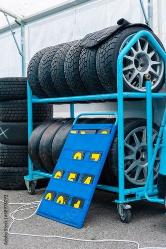 Tuinposter F1 Different sets of racing tyres