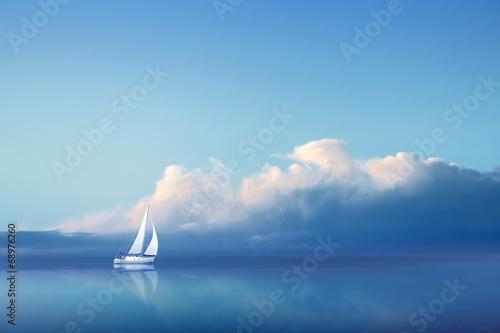 Obraz Jacht na pełnym morzu - fototapety do salonu