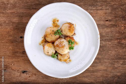 Fotografia seared scallops