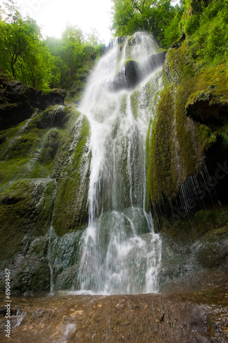 Cascade waterfall - 69049467