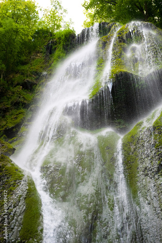 Cascade waterfall - 69049472