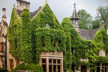 Castle Combe, Unique Old Engli...