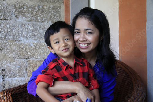Photo  asian mother and son