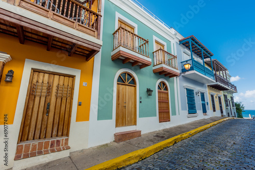 Photo Stands Caribbean Street in old San Juan, Puerto Rico
