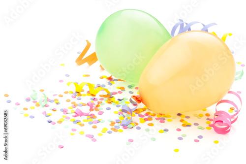 Obraz Birthday arrangement. Balloons and confetti isolated on white. - fototapety do salonu
