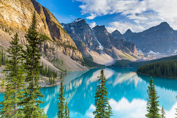FototapetaLake Moraine in Banff National Park