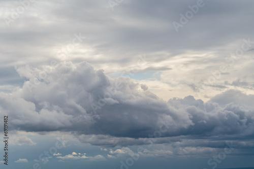 Fényképezés  Cloudy Autumn Sky