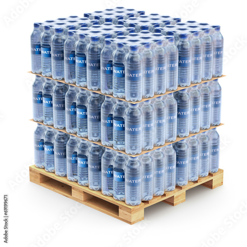 Fotografia Plastic PET bottles on the pallet