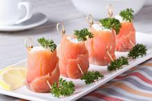 Rolls Of Salmon With Cream Che...