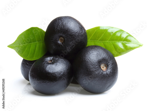 Foto  Amazon acai fruit with leaf