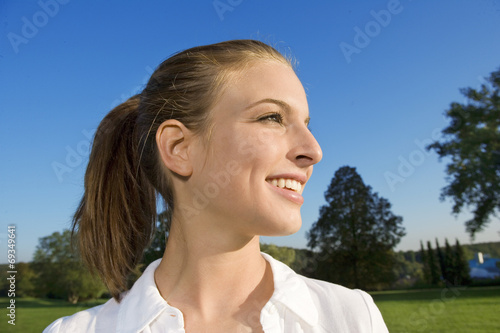 Valokuva  A teenage girl.