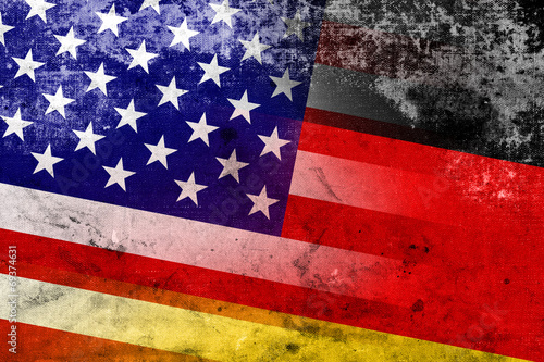 Valokuvatapetti USA and Germany Flag with a vintage and old look