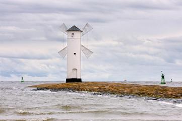 FototapetaLatarnia morska przy wejściu do portu, Świnoujście, Polska