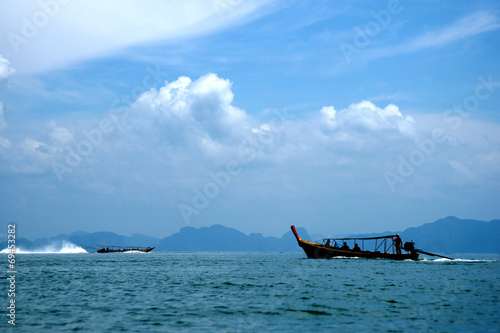 Photo Stands Shipwreck Silhouette Boats on the sea at Phang Nga Bay, Thailand