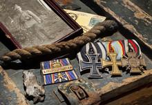 Erster Weltkrieg WW1 1914 - 1918 Orden Front Ordensspange Iron Cross Flee Market Militaria, Faleristik, Faleristika Kriegserinnerung, War Merit Militaria Militärisches Erbe Great War German Army Medal