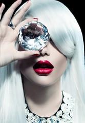 Fototapeta Do fryzjera Portrait of beauty model girl with a big diamond