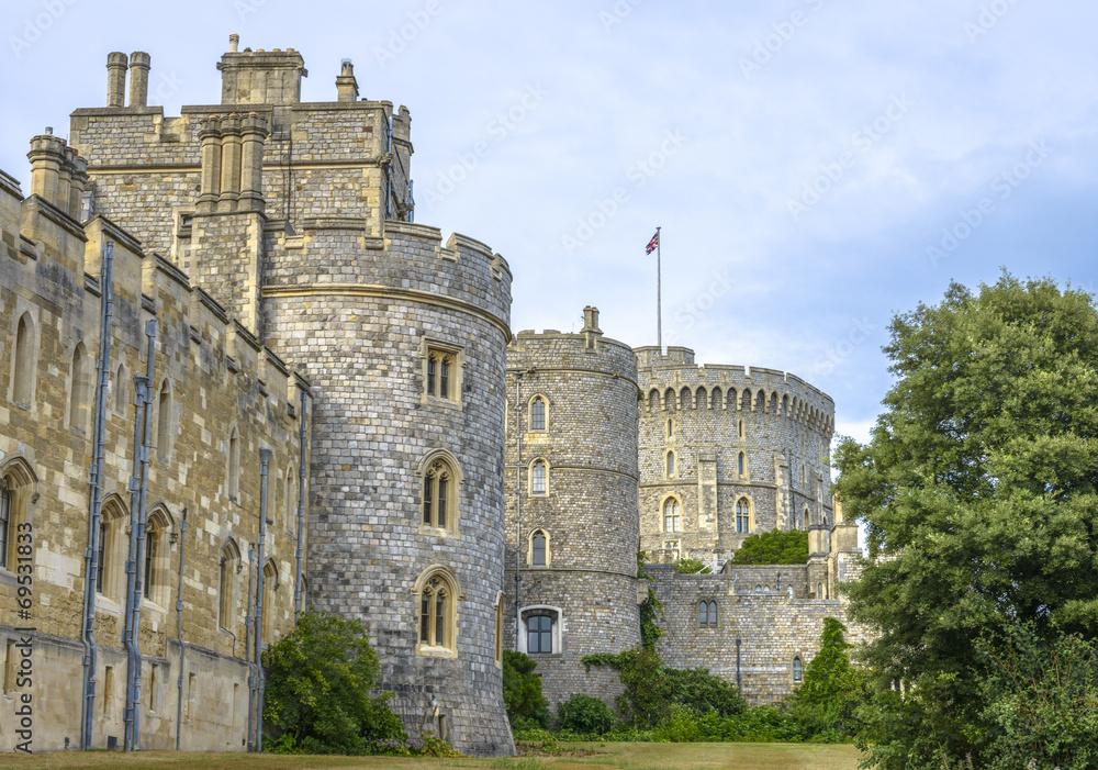 Photo & Art Print Medieval Windsor castle in Berkshire, England ...